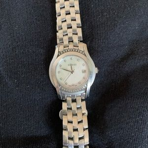 Gucci Watches Series 1500 Mother of Pearl Diamond